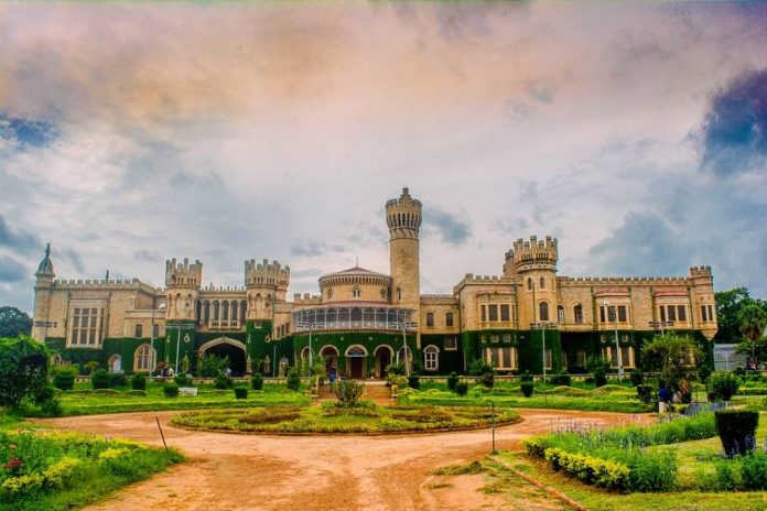 Bangalore-Palace Los Mejores Palacios reales para visitar en India