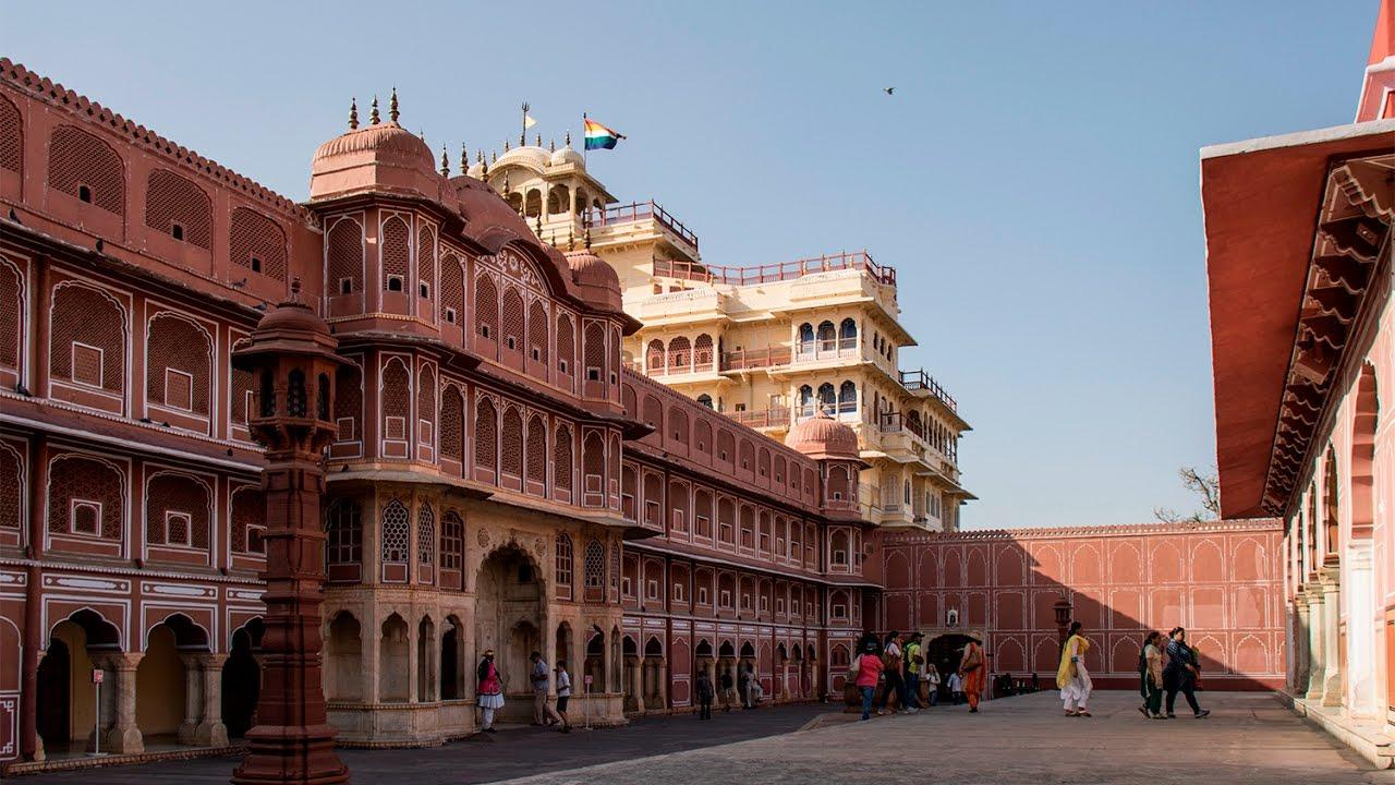 City-Palace-Jaipur 30 increíbles atractivos turísticos de la India