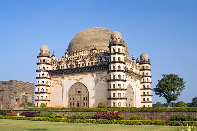 El-Gol-Gumbaz-Bijapur 30 increíbles atractivos turísticos de la India
