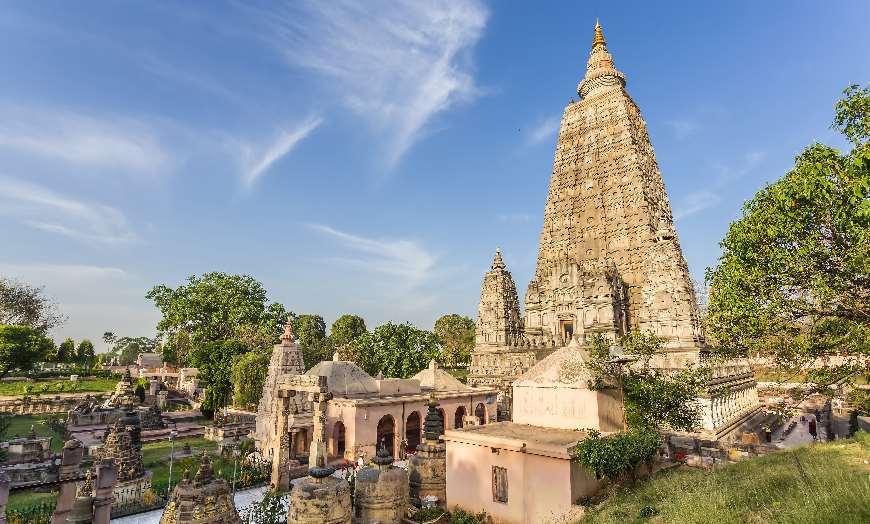 SS-Mahabodhi-Temple-Bodh-Gaya-Bihar-India 30 increíbles atractivos turísticos de la India