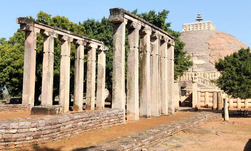 Sanchi_Stupa_Sanchi_Town_India 30 increíbles atractivos turísticos de la India