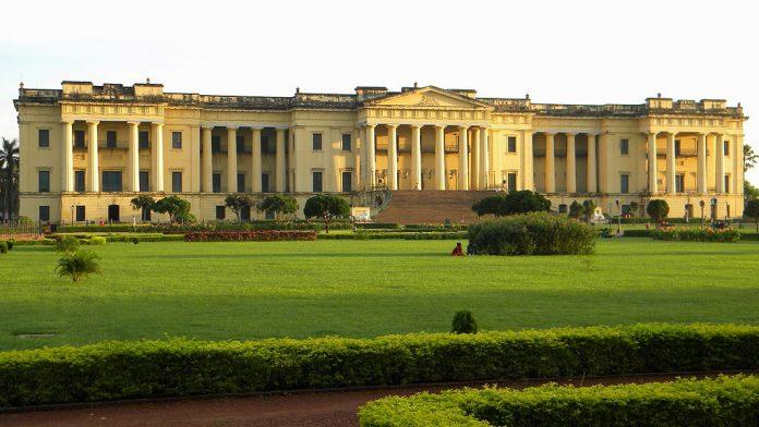 hazarduari-palace Los Mejores Palacios reales para visitar en India