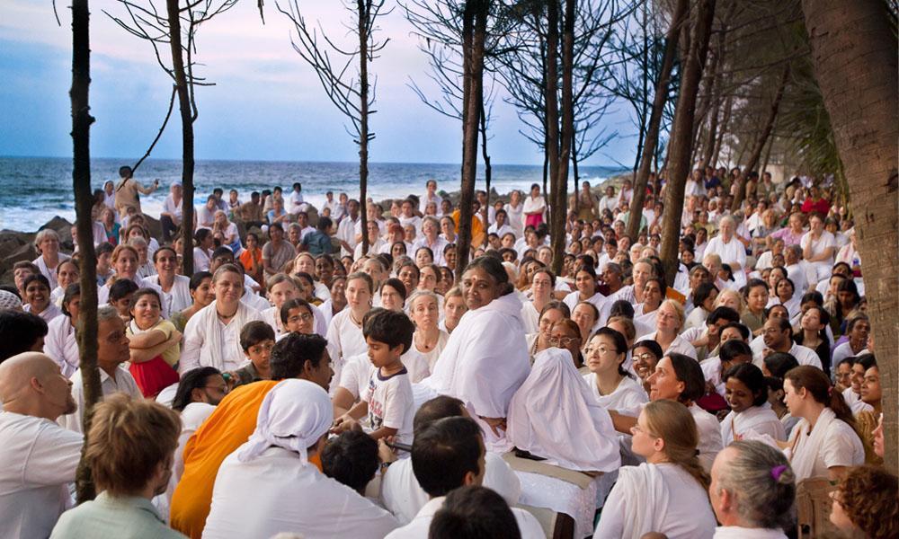 mata-amritanandamayi-ashram El lado Espiritual de India: Los 7 Ashrams más Populares