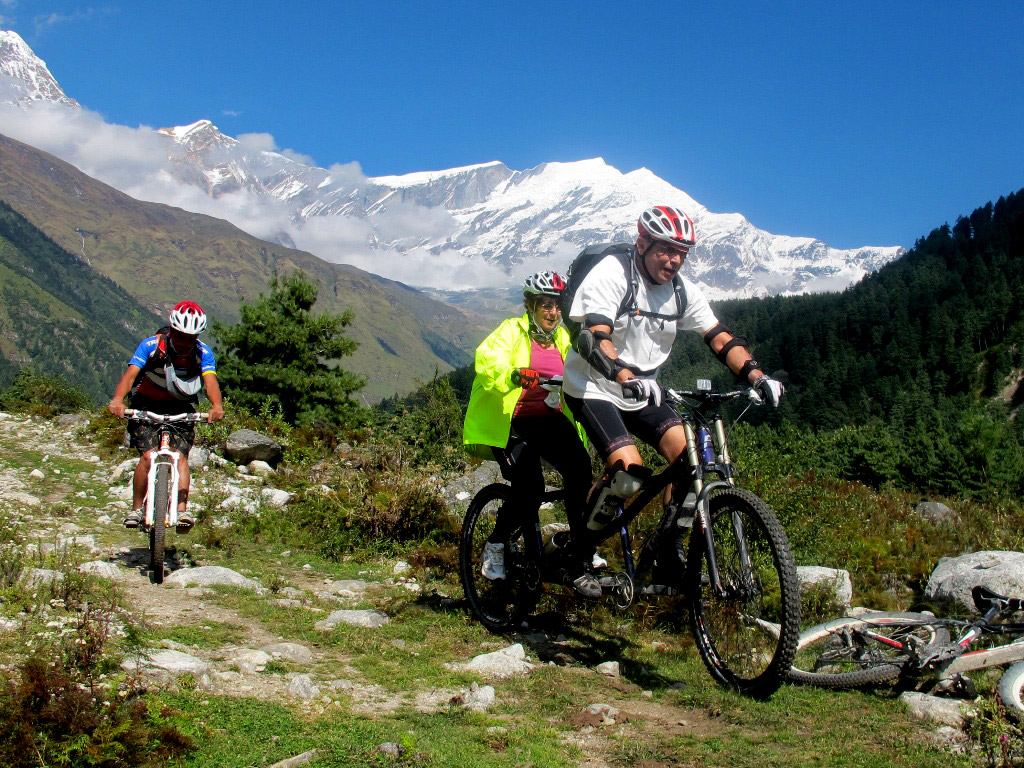 mountain-biking-in-nepal 10 cosas únicas que hacer en Nepal