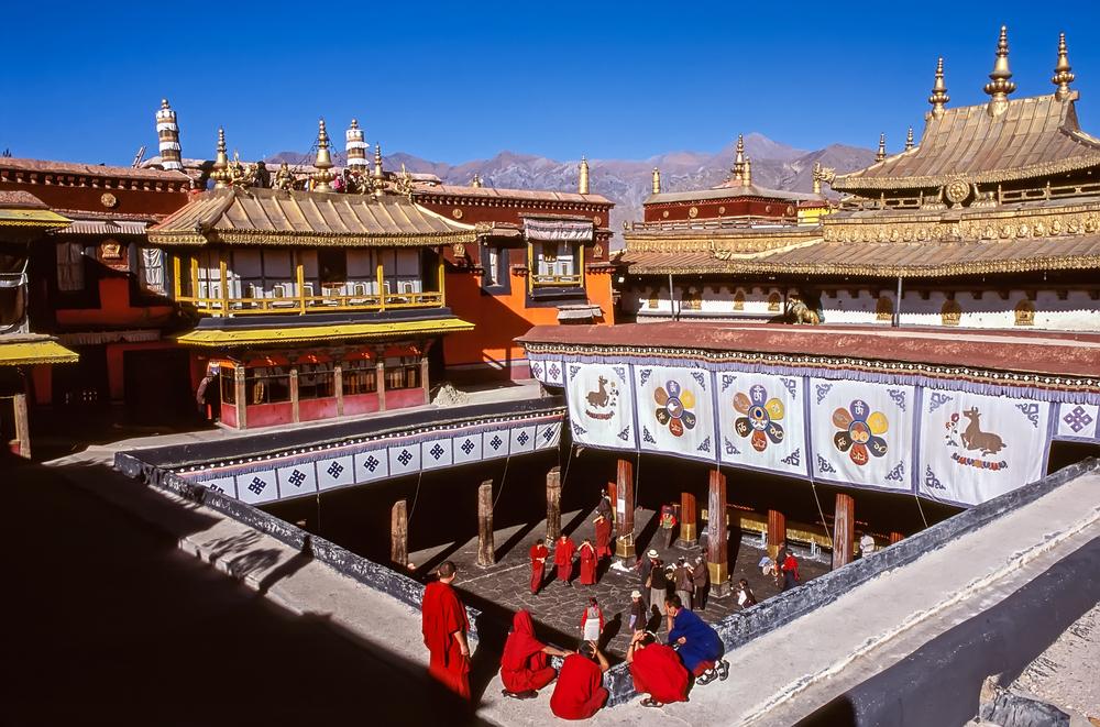 jokhang-temple 10 cosas únicas que hacer en el Tíbet