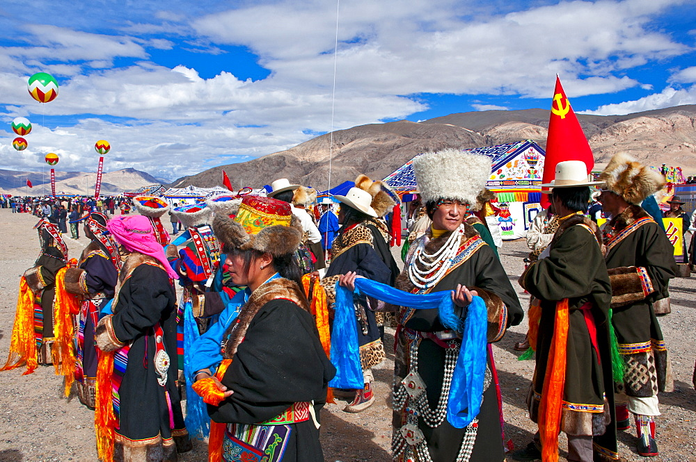 participate-with-locals 10 cosas únicas que hacer en el Tíbet