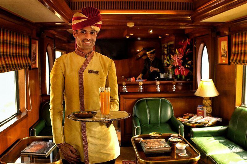 Vista-interior-del-tren-Maharaja India: Guía Completa para Viajar en Tren de Lujo.