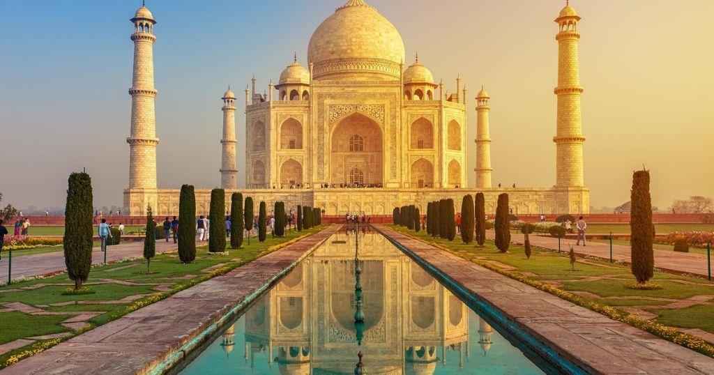 agra-tajmahal Los 10 monumentos de la India que debes conocer si te gusta la arquitectura