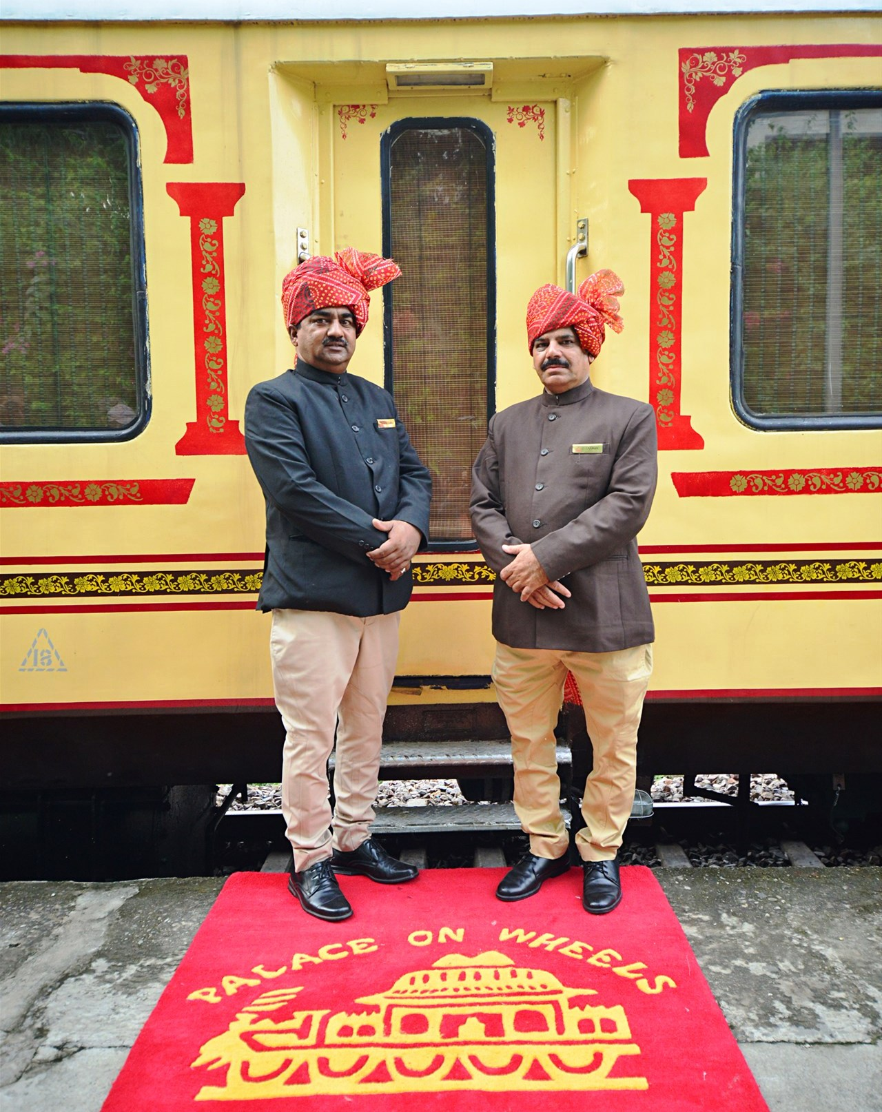palace-on-wheels-welcome India: Guía Completa para Viajar en Tren de Lujo.