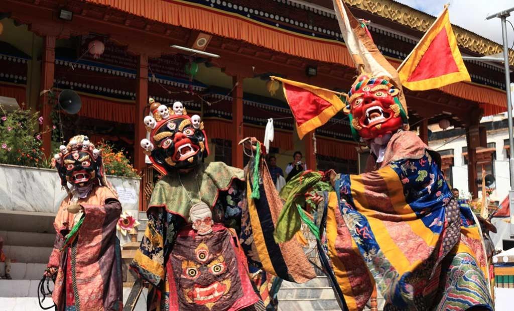 Losar1 Festival Losar en Tíbet - Año Nuevo tibetano