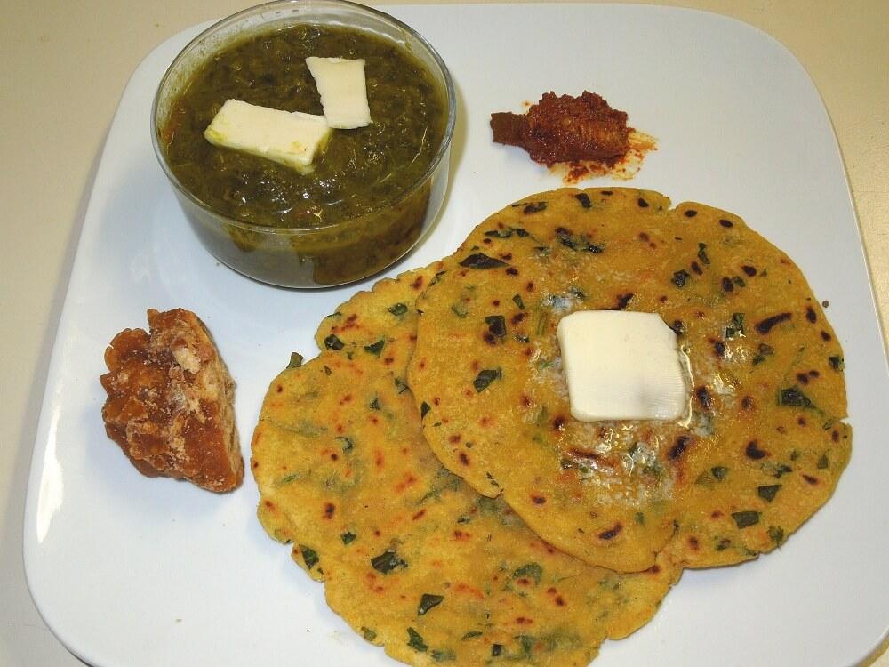Sarso-Da-Saag-and-Makki-Ki-Roti Los 10 platillos más populares de la India que debes probar