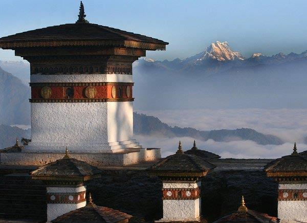Viajar a Bután desde México monasterio