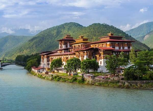 Bután tour Monasterio